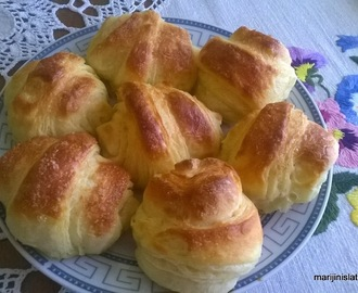 KROASANI SA JOGURTOM/PERFECT CROISSANTS