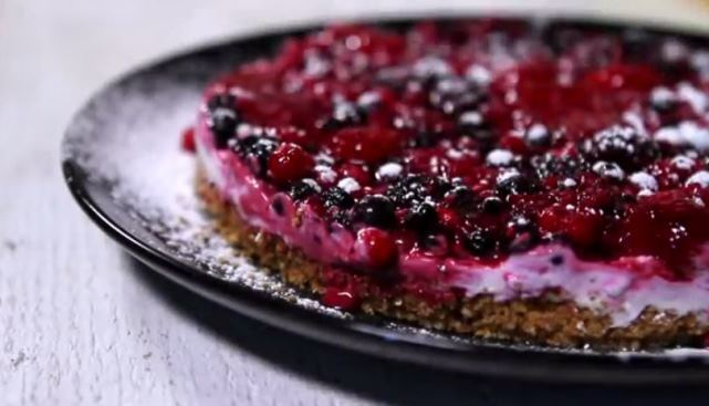 Video recept: Cheesecake sa šumskim voćem