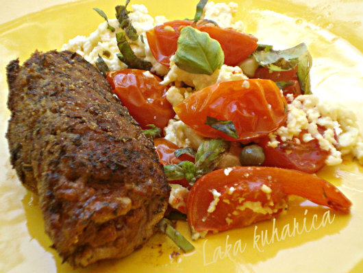 Odresci s pestom, rajčicom i fetom :: Steaks with pesto, tomatoes and feta cheese
