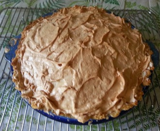 The BEST Gluten Free Lemon Meringue Pie  & Mrs. Lauralicious's Gluten Free Pie Crust