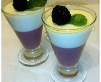 Panna cotta de moras y chocolate blanco
