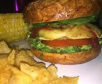 Avocado toast except it's on an everything bagel and is a cheeseburger :3 a Boca burger with ciao cheese, spinach, jalep…