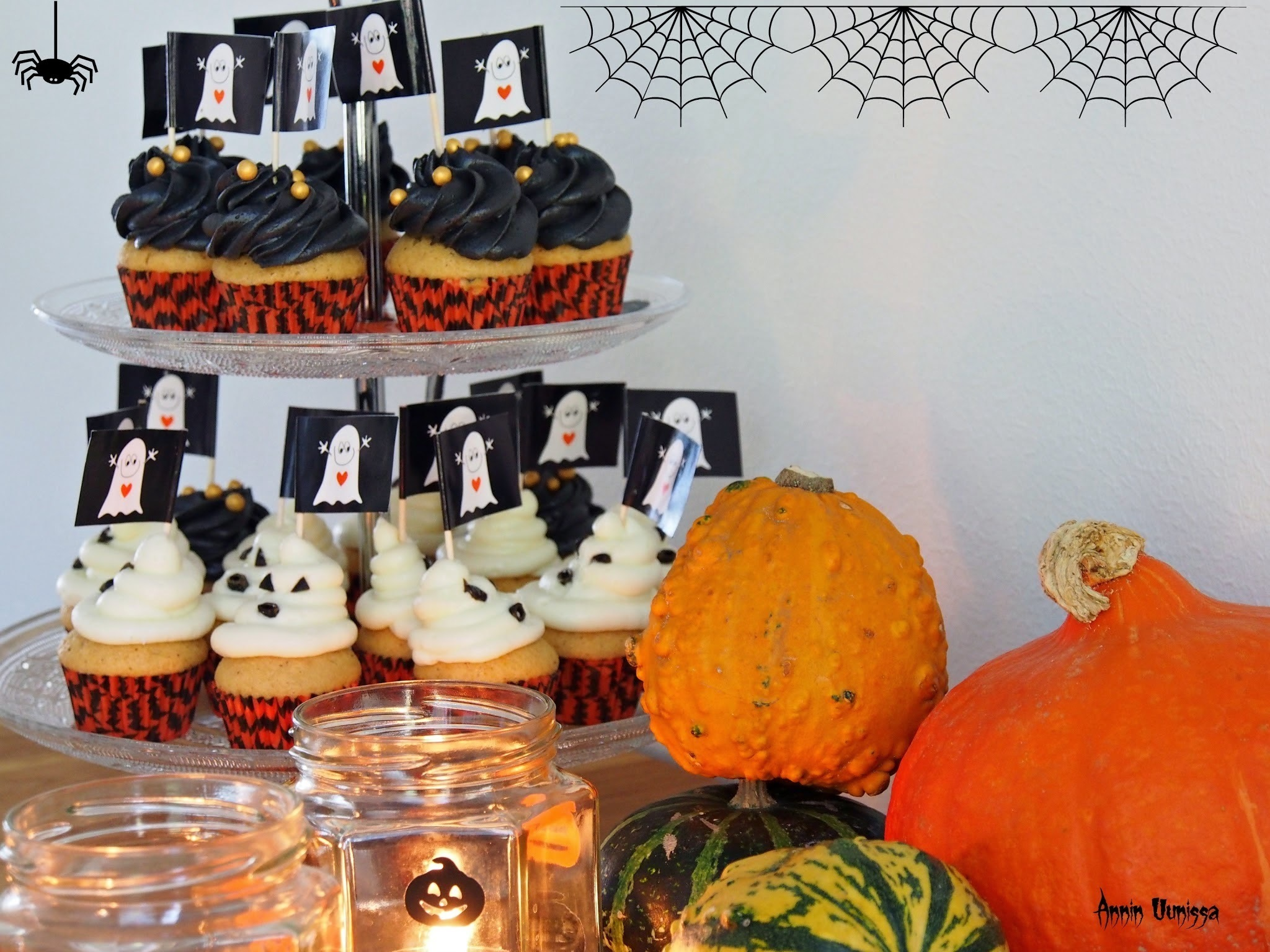 HALLOWEEN Orange Cupcakes -Video Tutorial ja DIY lyhdyt