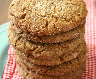 Giant Ginger Cookies for summer picnics