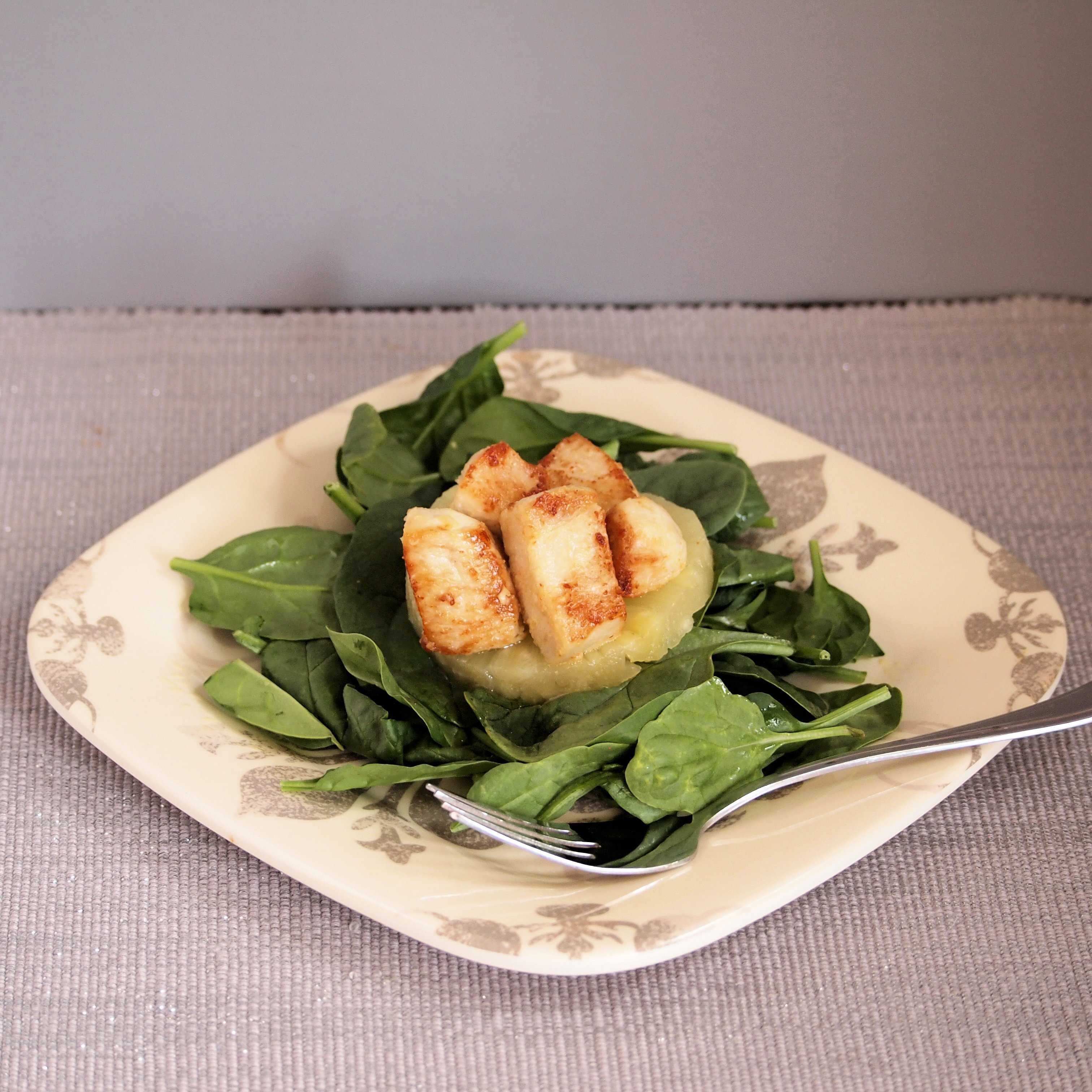 Spinach Salad with Chicken and Pineapple