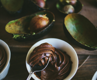 Mousse de aguacate y chocolate