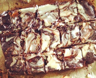 Oreo Cream Cheese Swirl Brownie