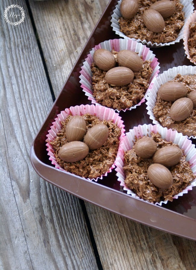 Easter chocolate bird nests with mini eggs / Cokoladna pticja gnezda z mini jajcki za velikonocne praznike