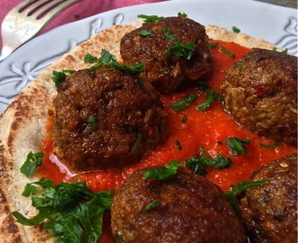 Hot Balls in Hot Fresh Tomato Sauce on Hot Pitta Bread