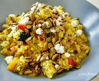 Quinoa con vegetales, queso de cabra y semillas / Quinoa with vegetables, goat cheese and seeds