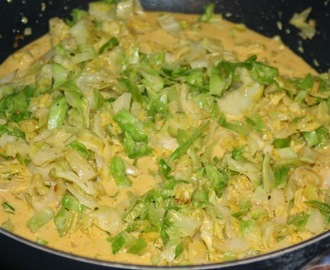 Spitzkohl in Curryrahm