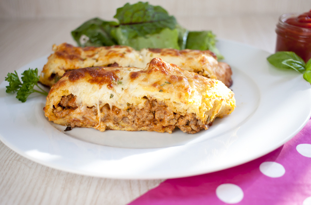 Low Carb Cheeseburger Calzone
