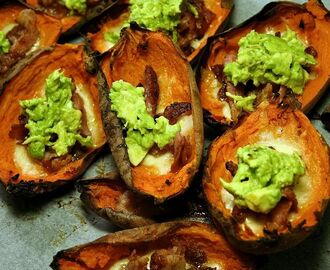 Sweet potato skins med mozzarella, knaperstekt bacon & guacamole