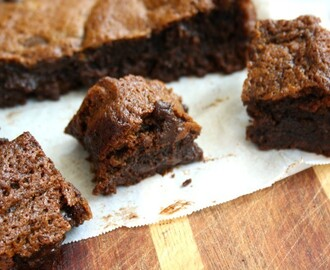 Chewy Chocolaty Gingerbread Blondies