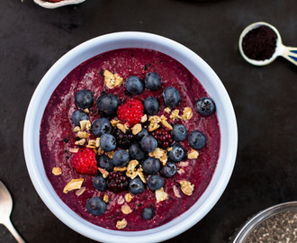 Chia-Pudding Smoothie Bowl – Guten Morgen Superfoods!