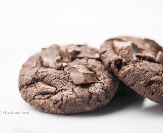Vegan and Gluten-Free Peanut Butter Chocolate Cookies