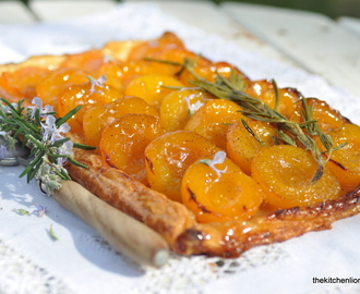 Yotam Ottolenghi´s Apricot & Rosemary Galettes
