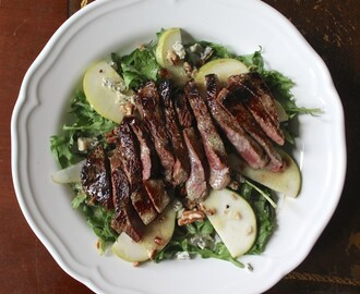 Steak Salad with Blue Cheese, Pecans and Pears