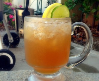 Grilled Peach and Cinnamon Whiskey Sour #SundaySupper