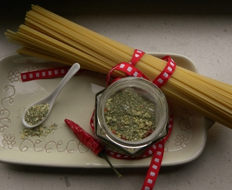 Preparato per pasta aglio olio e peperoncino, fatto in casa. Idea regalo di natale home made