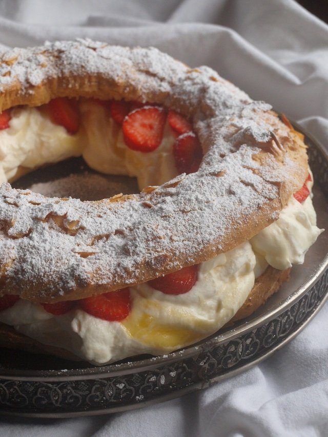 Paris Brest with strawberries & lemon curd