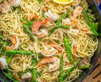 Shrimp Scampi Pasta with Asparagus (VIDEO)