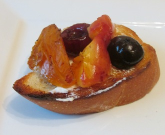 Grilled Fruit Bruschetta with Honey Cream Cheese