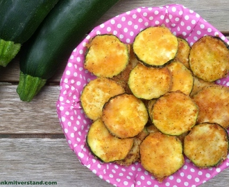 Knusprige Zucchini Fritters low carb