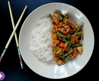 Student in kitchen: Stir-fry z indykiem