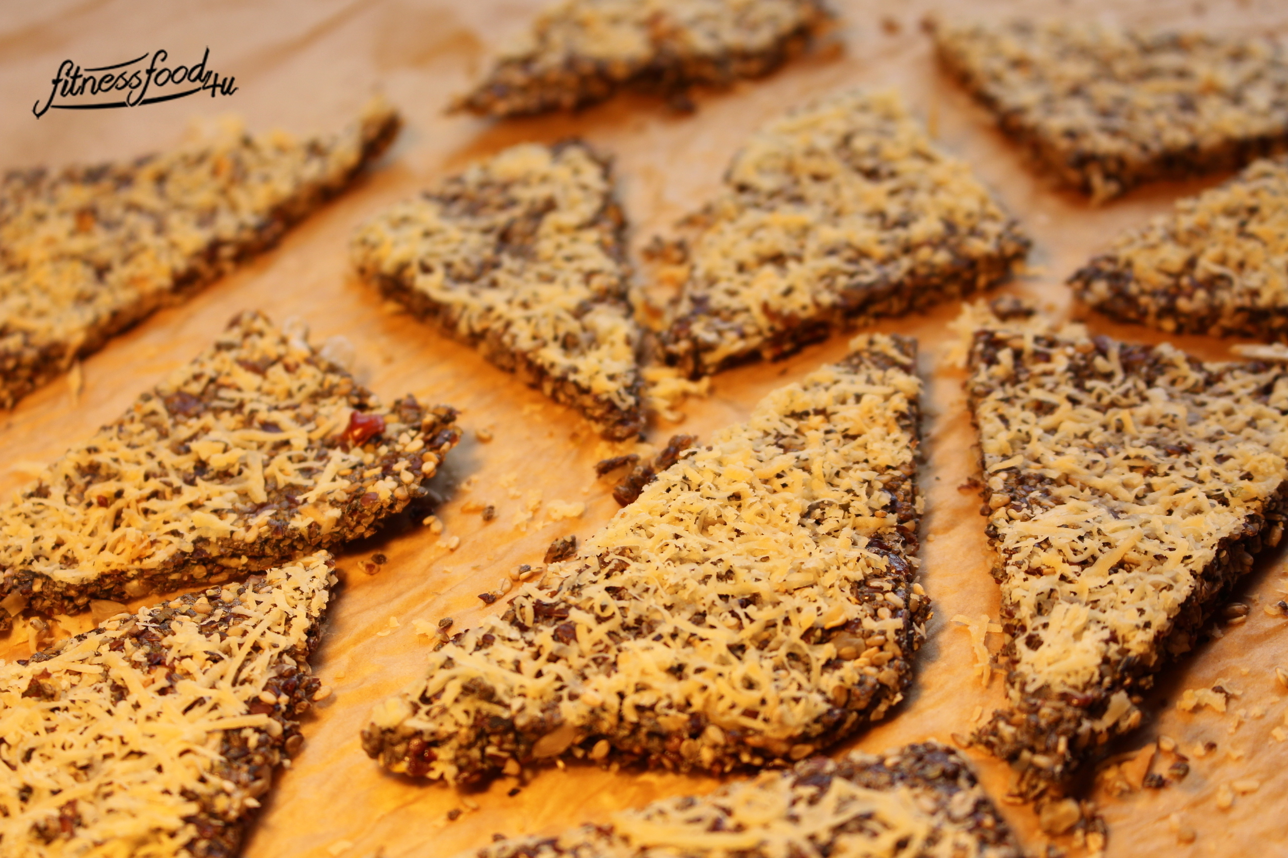 Low Carb Chia Superfood Cracker