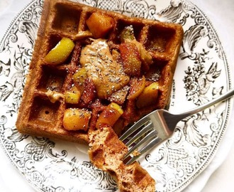 Paleo Apple Cinnamon Waffles (GF)