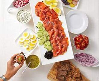 Cured or Smoked Salmon Appetizer Platter