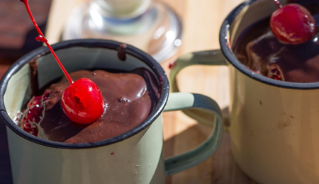 Wet Chocolate Cake Mugs