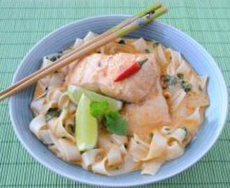 Salmon Curry with Rice Noodles