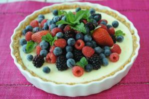 Quick Yoghurt and Berry Tart