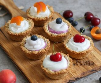 Cookie Cups with Skyr and Berries