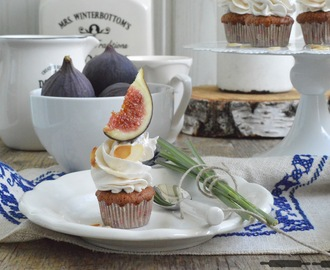 Apfel Cupcakes mit Feigen-Zimt Topping / Apple Cupcakes with Fig and Cinnamon Cream
