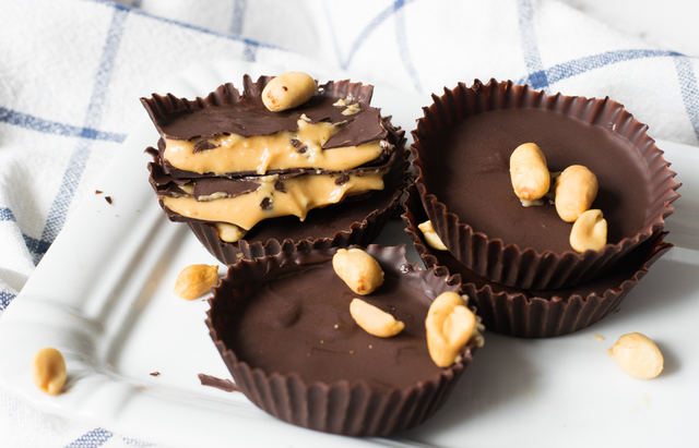 Low Carb Peanut Butter Cups – einfach & lecker