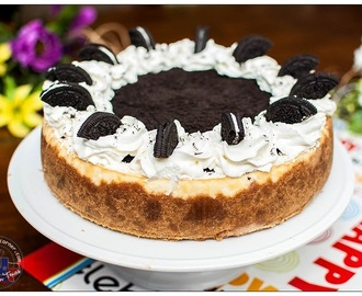 Easy Cheesecake with Peanut Butter Graham Crust and Oreo Topping