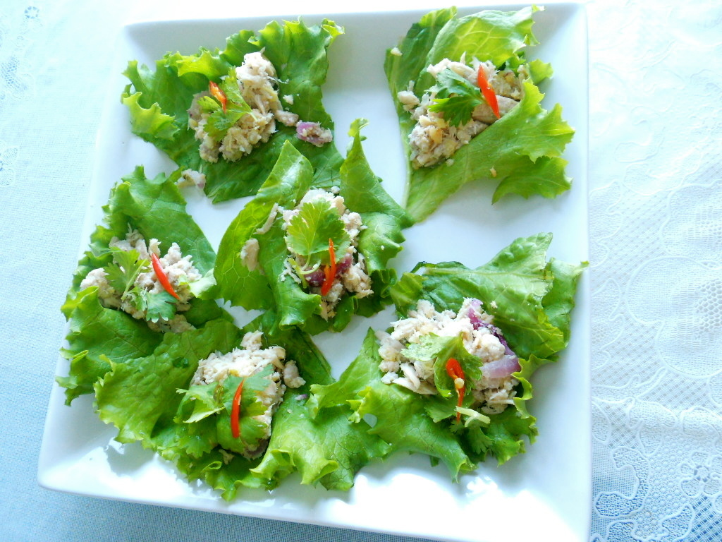 Traditional Thai Appetizer: Miang Tuna (Tuna salad)