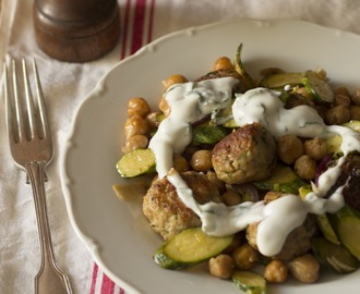 Chicken meatballs with courgettes and chickpeas