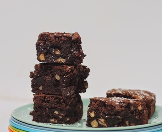 Date and Nut Brownies