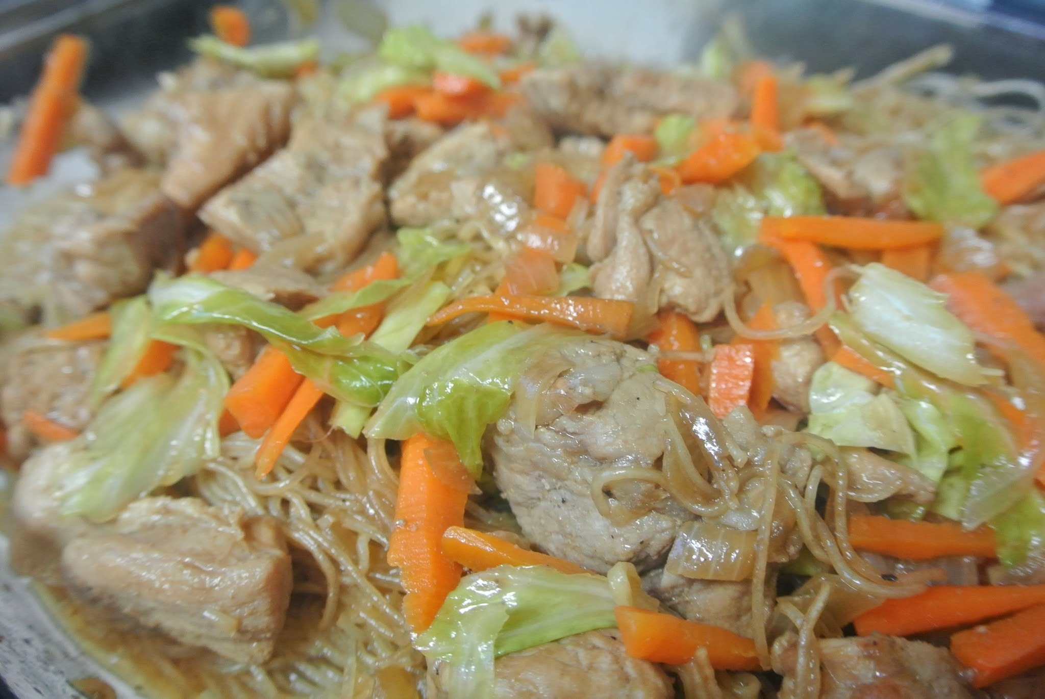 Bring on More Filipino Food: Pancit