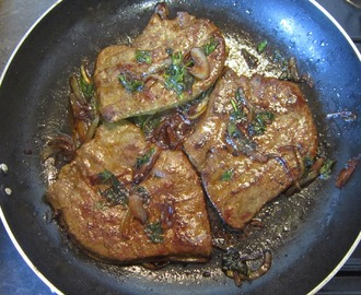 Beef Liver with Caramelized Onions and Parsley