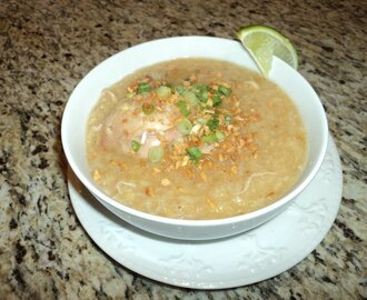 Arroz Caldo (Chicken and Rice Porridge)