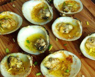 Baked Garlic Buttered Clams