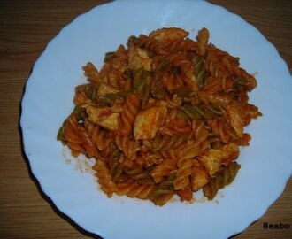 Pasta con pollo al curry