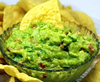WORLD's BEST Guacamole with Secret Ingredient - 52 Church Potluck Appetizers