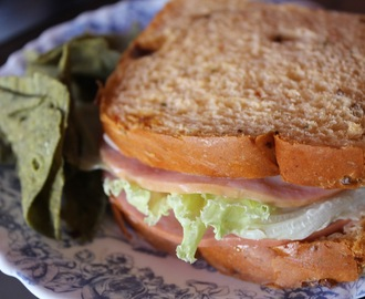 Sandwiches for Kids'  Baon Spruced-up with Lady's Choice Spread- Crunchy Apple and Turkey Ham Sandwich
