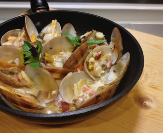 clams with thai coconut broth
